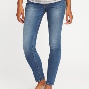 Old Navy Rockstar Maternity Jean's Full Panel